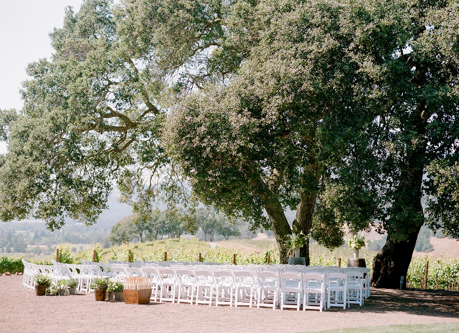 SylvieGil-0078-napa-wedding-winery-outdoor-reception-Kunde